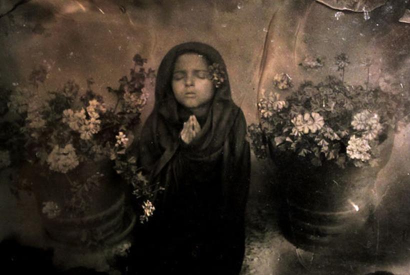 La muerte niña, Papel salado a partir de negativo de colodión © Lydia Lozano