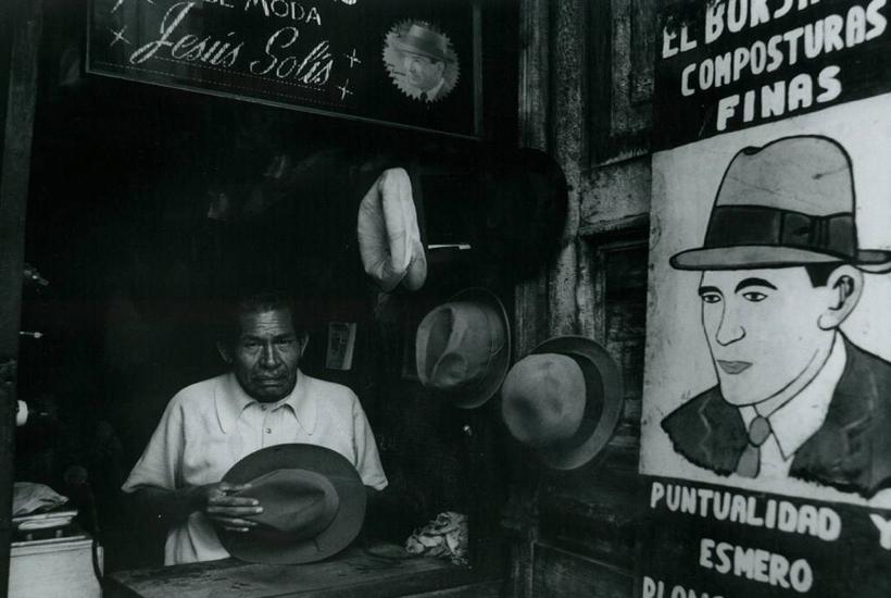 Sombrerero  1976 © Rafael Doniz