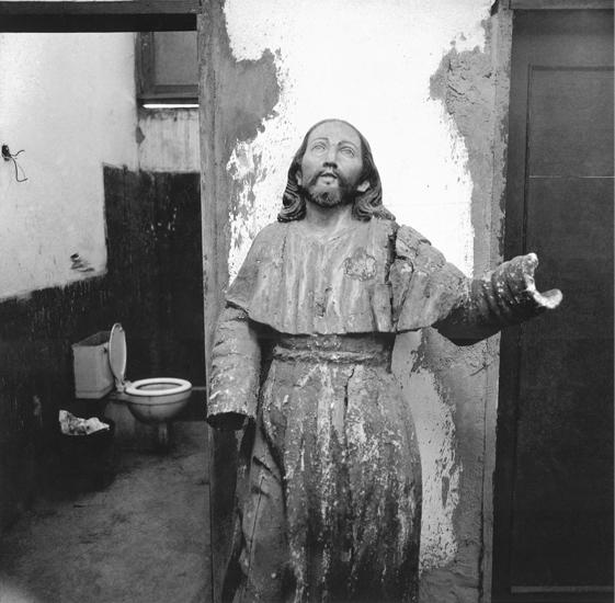 Cristo, de la serie 'América un viaje a través de la injusticia', 1970 © Enrique Bostelmann