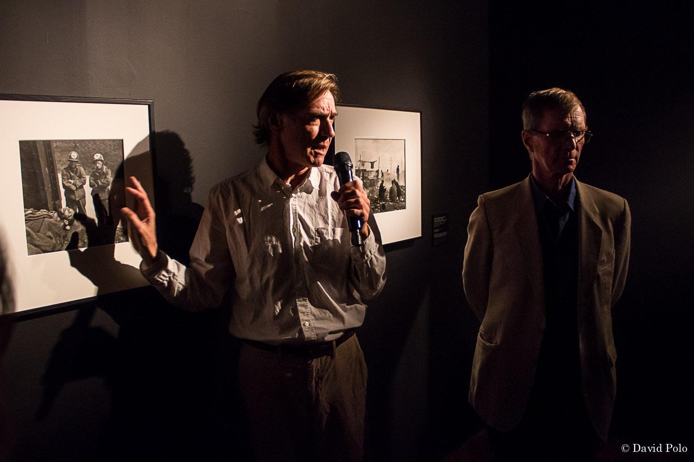 Stefan Van Raay, curador de la muestra y Antony Penrose, hijo de Lee Miller