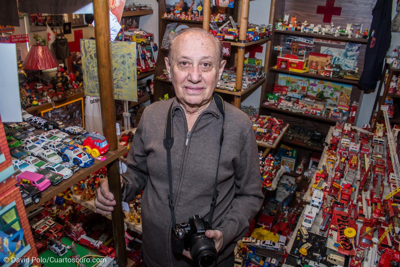 """CIUDAD DE MÉXICO, 17DEFEBRERO2016.- Enrique Metinides inaugurará el próximo sábado 20 de febrero la muestra """"El hombre que vio demasiado: Enrique Metinides"""", en el Foto Museo Cuatro Caminos. La exposición es una retrospectiva con el trabajo que el fotógrafo de la fuente policiaca realizó a lo largo de medio siglo en diarios de la capital mexicana. FOTO: DAVID POLO /CUARTOSCURO.COM"""