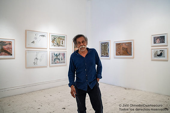 """El día de su exposición """"Obra Reciente"""" en la Bodega Quetzalli, en Oaxaca. Febrero 22, 2019. © Jalil Olmedo/Cuartoscuro"""