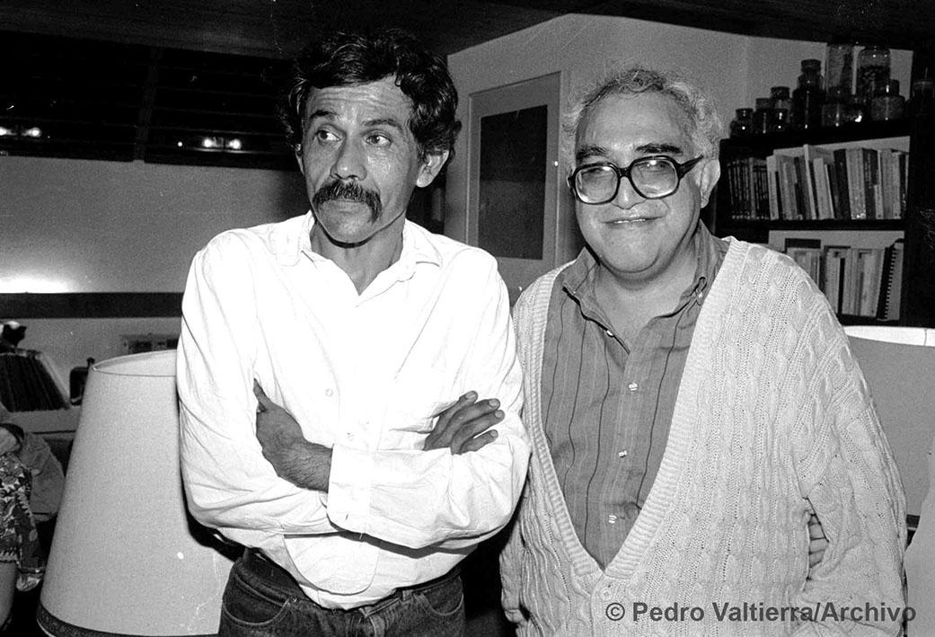 Francisco Toledo y Carlos Monsiváis. Mayo 4, 1988. Foto: © Pedro Valtierra/Archivoç